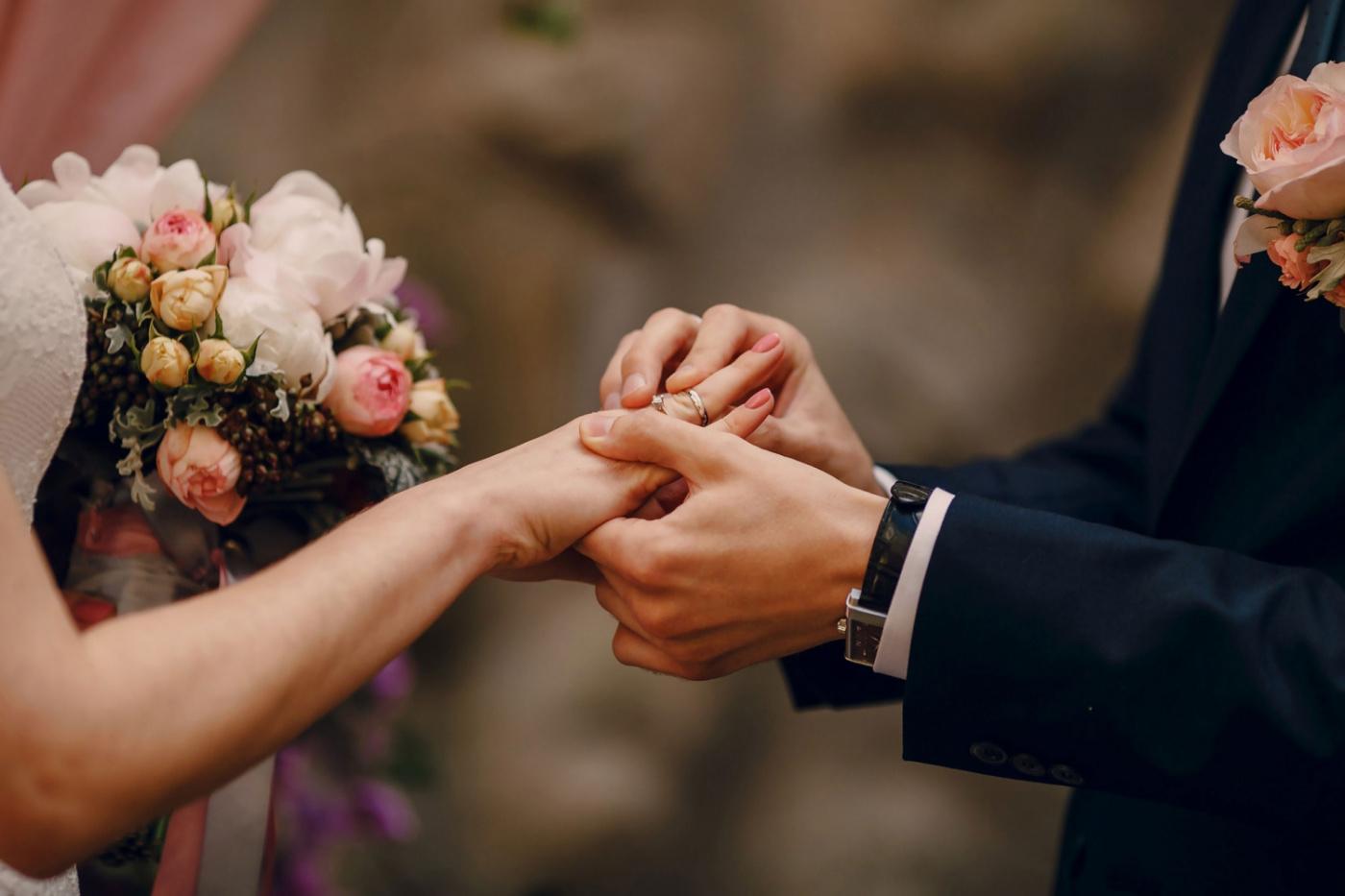 گل آرایی عقد و عروسی